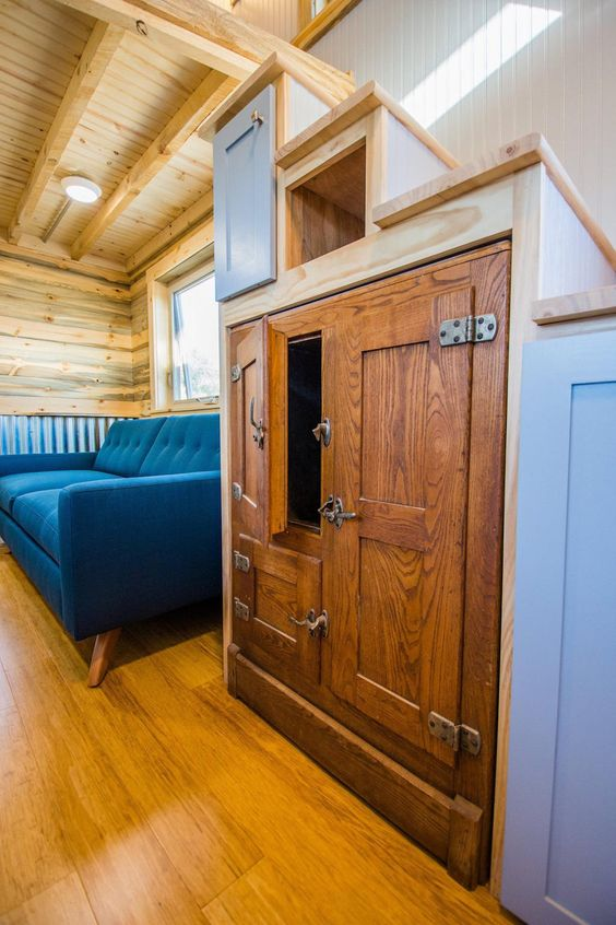Deniss Tiny House - Tiny House Stairs | Simply Marie Tiny House Blog