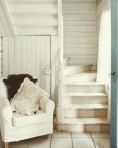 iheartshabbychic Tiny House Stairs | Simply Marie Tiny House Blog