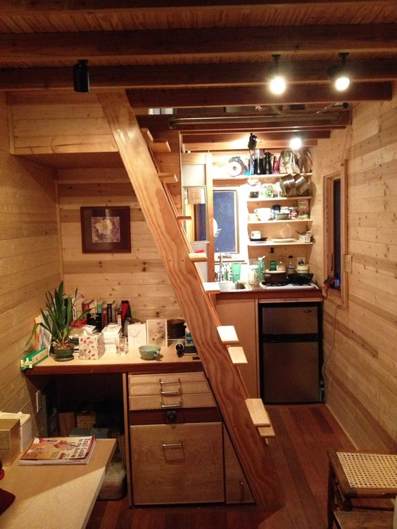 Linnéa's Tiny House - Tiny House ladder | Simply Marie Tiny House Blog